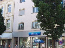 Direkt auf der Einkaufsstrasse in Frohnhausen. Top gepflegtes Haus.