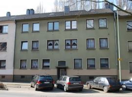 Komplett Modernisiert! 3,5 Raum mit Gemeinschaftsgarten. Garagen in der Nähe verfügbar.