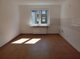 Großes Wohnzimmer! Wohnküche! Modernisiertes Badezimmer!