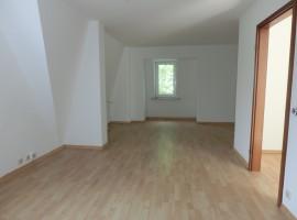 Charmante Dachgeschosswohnung mit Balkon! Zwischen Klinikum + Landgericht!
