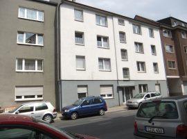 Wohnung in zentraler Lage mit modernem Badezimmer und Parkettboden!