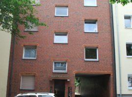 Hübsche kleine 2,5 Raum Wohnung mit Balkon.