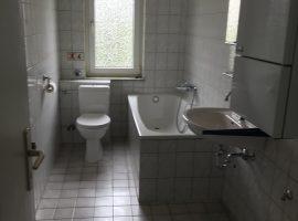 3,5 Raum Wohnung in Essen Altendorf. Dachgeschoss Wohnung. Große Räume.