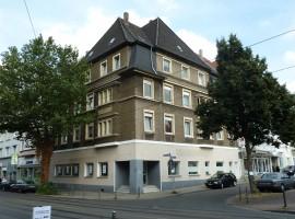 Wohnen mit Blick auf den Frohnhauser Markt. ca. 140 m² im 1. Obergeschoss. Komplett renoviert!