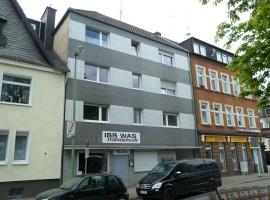 Ende Frohnhausen - Grenze Mülheim Heißen. Mit Balkon. Einfache Ausstattung.