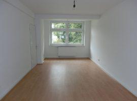 4 Zimmer-Wohnung mit 2 Bädern in ruhiger Lage!