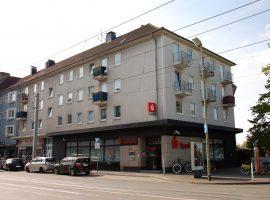 Schicke, helle , Dachgeschosswohnung am Bahnhof-Süd