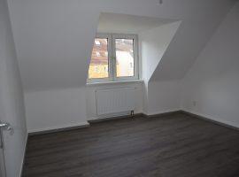 Vollständig renoviert und bezugsfertig! Gemütliche Dachgeschosswohnung Nähe Holsterhauser Markt!