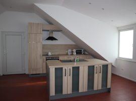 Dachstudio! Moderne Dachgeschosswohnung mit offener Küche!