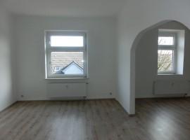 3,5 Zimmer-Wohnung mit 2 Bädern in ruhiger und dennoch zentraler Lage!