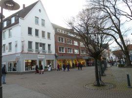 In Dorsten. Zentrale Lage und direkt auf der Einkaufsstrasse.