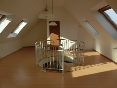 Maisonette-Wohnung mit 2 Bädern in zentraler Lage in Essen-Bergerhausen!