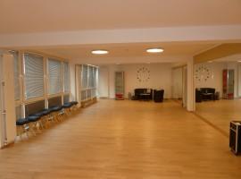 Tanzschule, Joga-Schule, Sportschule. Mitten in der Innenstadt. Modernisiert und komplett eingerichtet.