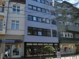 Borbeck-Mitte - Büro-/Praxisräume in Fußgängerzone mit PKW-Stellplatz zu vermieten!