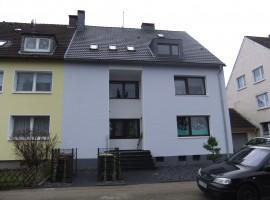 Gemütliche 2 bis 3-Zimmer-Dachgeschosswohnung im 3-Familienhaus in ruhiger Lage!