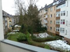 Hübsche 2,5 Raum Wohnung mit Balkon und Wohnküche. Bezugsfertig!