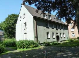Erdgeschoss Wohnung in Gelsenkirchen. Übernahme EBK durch Vormieterin möglich.
