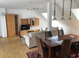 Schöne 3 Zimmerwohnung mit großer Dachterrasse