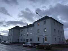 Schöne helle Wohnung mit Balkon und PKW-Stellplatz.