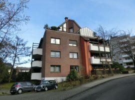Gemütliche Maisonette-Dachgeschosswohnung mit Balkon in ruhiger Lage