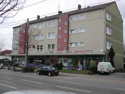Eck-Ladenlokal mit Nebenräumen direkt auf der Aktienstrasse.