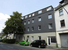 Helle, geräumige, renovierte 3-Raum-Dachgeschosswohnung