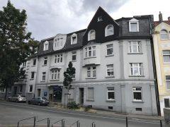 Renovierte 2-Raum-Wohnung am Krayer Markt