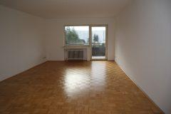 Komplett renovierte, bezugsfertige 3-Zimmer-Wohnung mit Balkon, modernem Badezimmer und Gäste-WC!