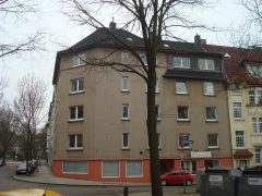 Komplett modernisiert und renoviert! Bezugsfertige Wohnung mit Wohnküche und Balkon!