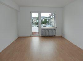 Modernisierte 3 Zimmer-Wohnung mit 2 Balkonen in zentraler Lage!
