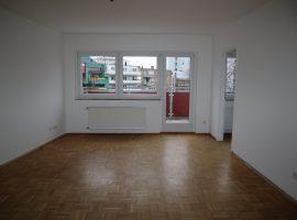 Modernisierte 3 Zimmer-Wohnung mit großem Balkon im Zentrum von Essen-Borbeck!