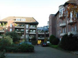 Moltkeplatz, bezugsfertige 2 Zimmer + Küche, Diele, Bad, WC, großer Balkon