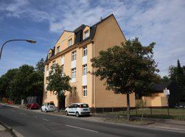 2015 schick modernisierte Wohnung mit Balkon und Einbauküche