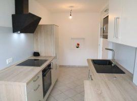 Mit neuer Einbauküche! Grenze Schönebeck. Top gepflegtes Haus. Komplett renoviert und bezugsfertig.