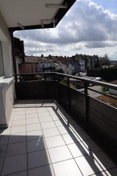 Appartement mit großem Balkon! Wohnung liegt zur ruhigen Hofinnenseite!