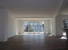 Neubau! Stadtwald! Bezugsfertige Wohnung mit hochwertiger Einbauküche in Toplage!