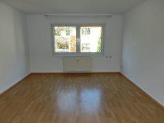 2 Zimmer-Wohnung mit Wohnküche und modernem Badezimmer mit Badewanne und Dusche!