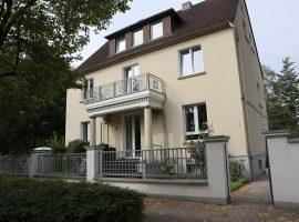 Essen-Rüttenscheid-Haumannviertel, 1 OG großzügige Altbauwohnung, komplett renoviert, Parkett