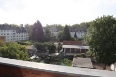 Komplett renoviertund bezugsferztg! Sonnendurchflutete Wohnung mit Dachterrasse und G-WC.