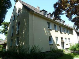In ruhiger schönen Wohnsiedlung Nähe Zoom Erlebniswelt. Neu renoviert. Laminatboden neu.