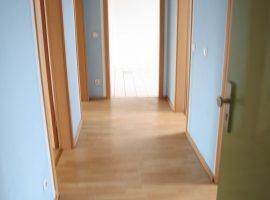 2,5 Raum Wohnung mit modernem Badezimmer und G-WC in Essen Altendorf.