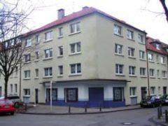 Altendorf zentrale Lage in einer Nebenstraße , 3 Zimmer, Küche, Diele, Bad