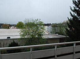 Rüttenscheid - Südviertel, helle 2,5 Zimmerwohnung mit Loggia im 1.OG. EBK kann übernommen werden