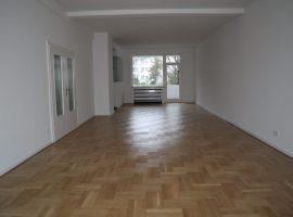 Charmante Altbauwohnung in beliebtem Wohnviertel in Essen-Holsterhausen! Modernisiert und vollständig renoviert!