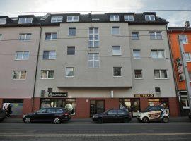 2-Zimmer-Wohnung mit großem Süd-West-Balkon in zentraler Lage!