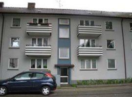 Große renovierte Wohnung mit 4 Zimmer, 2 Bäder, Wohnküche mit EBK, Wirtschaftsraum, Souterain