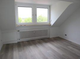 Renovierte Dachgeschosswohnung in Essen-Frohnhausen!