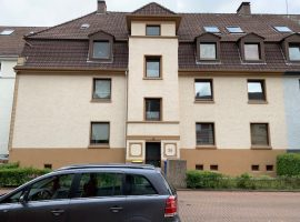 Renovierte 2-Zimmer-Wohnung in verkehrsberuhigter Straße in Borbeck