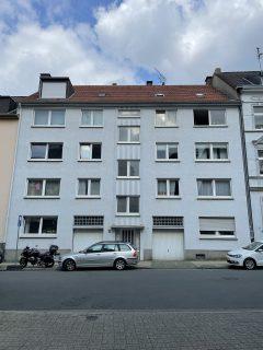 IMMOBILIENPAKET - 7 Eigentumswohnungen und 2 Garagen in einer kleinen Eigentümergemeinschaft